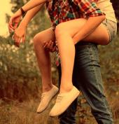 carry-couple-flannel-love-shoes-Favim.com-62253.jpg